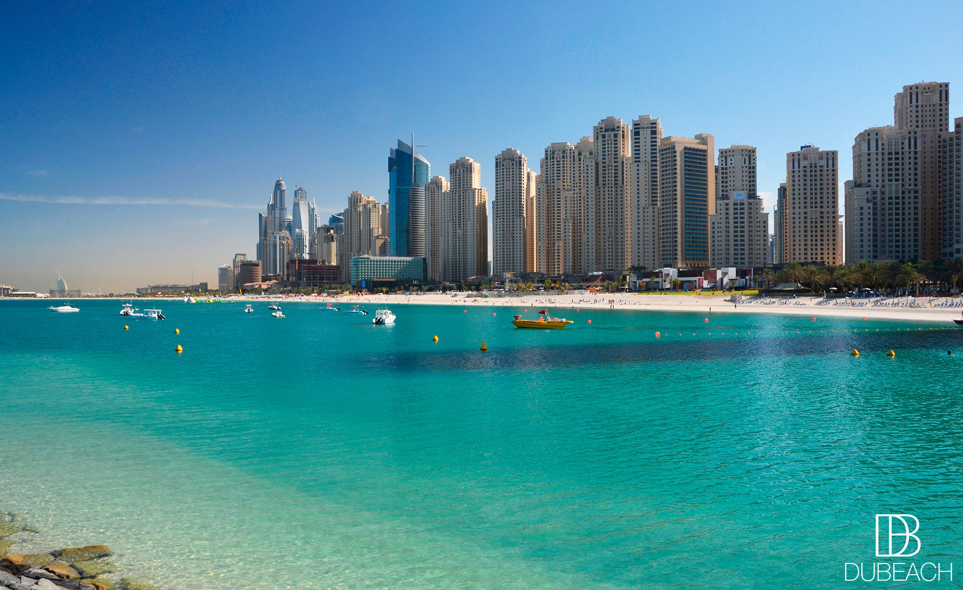 Dubai beach guide public beaches private beach clubs for Dubai hotels near beach